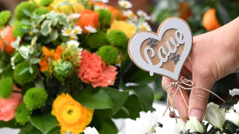 Blumen werden sehr gerne am Valentinstag verschenkt.